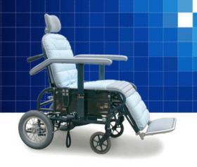安頭台付自動式車椅子